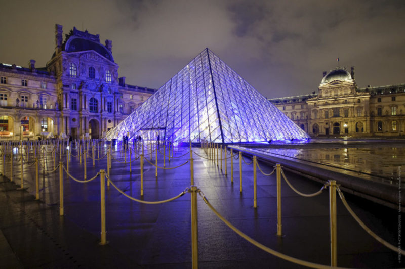 "Celebration 60 years (Louvre)<br><hr><span class=""desc"">Paris • Services</span></br><span class=""italic"">Paris is always a good idea !</span>"